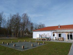 Terrassenbereich & Außenbühne